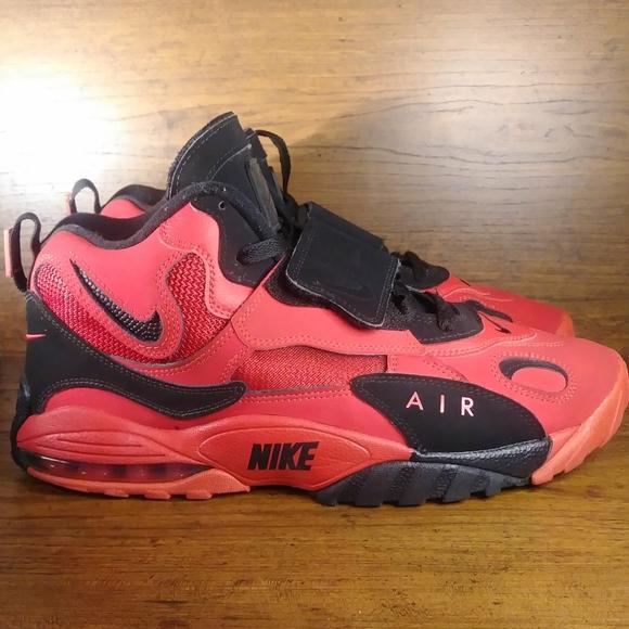 Nike Air Max Speed Turf AV7895-600 University Red Men/'s Athletic Shoes Size 10.5